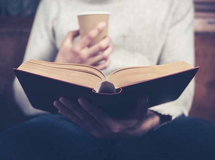 dicas imperdíveis para deixar o cérebro afiado - Faça da leitura um hábito